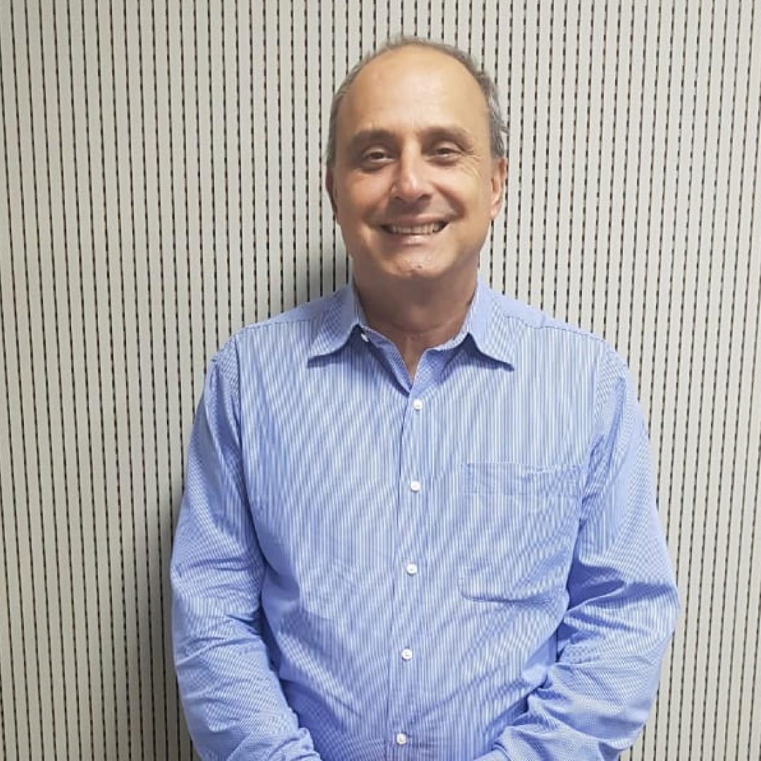 A vacina é a forma mais eficaz de evitar o vírus h1n1, explica o infectologista Antônio Bandeira