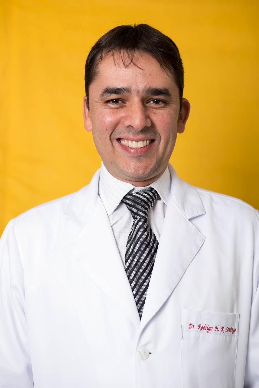 Dr. Rodrigo Santiago