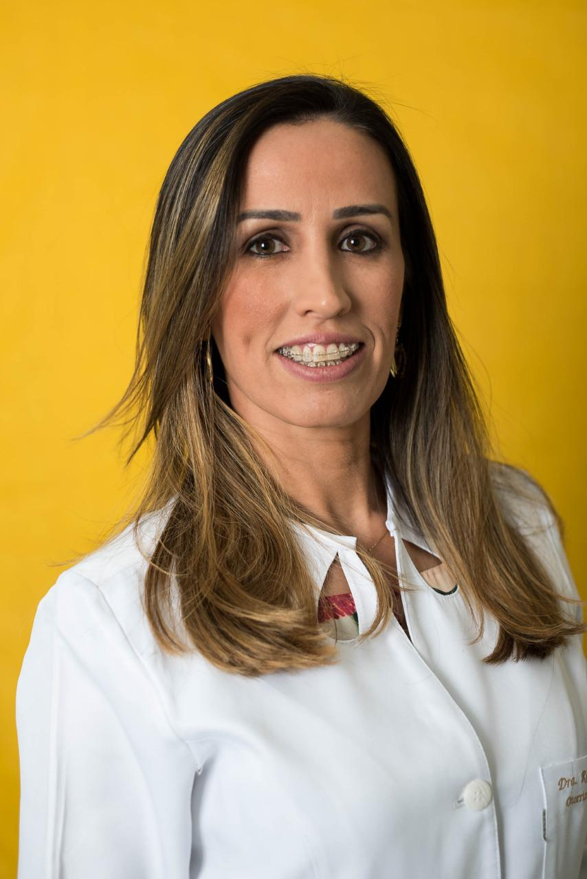 Dra. Renata Santiago