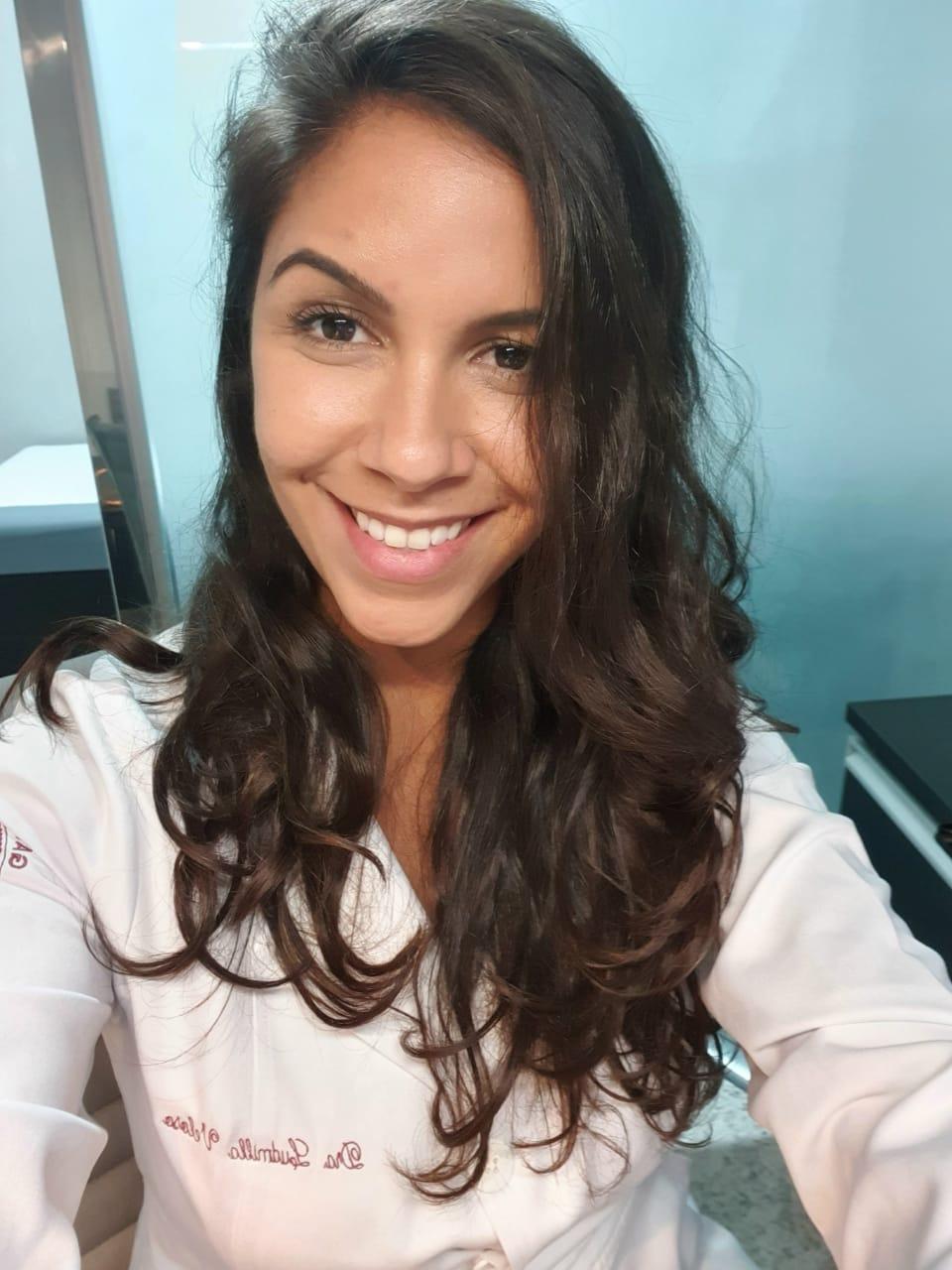 Dra. Ludmilla Veloso