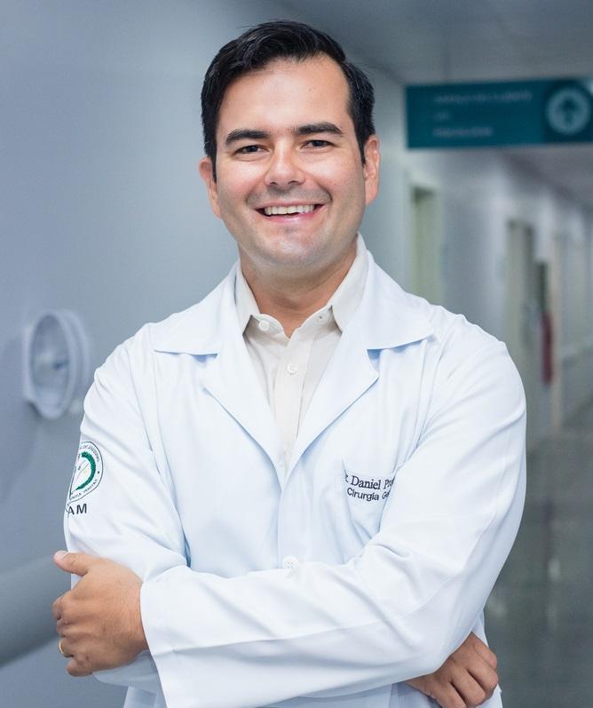 Dr. Daniel Proença